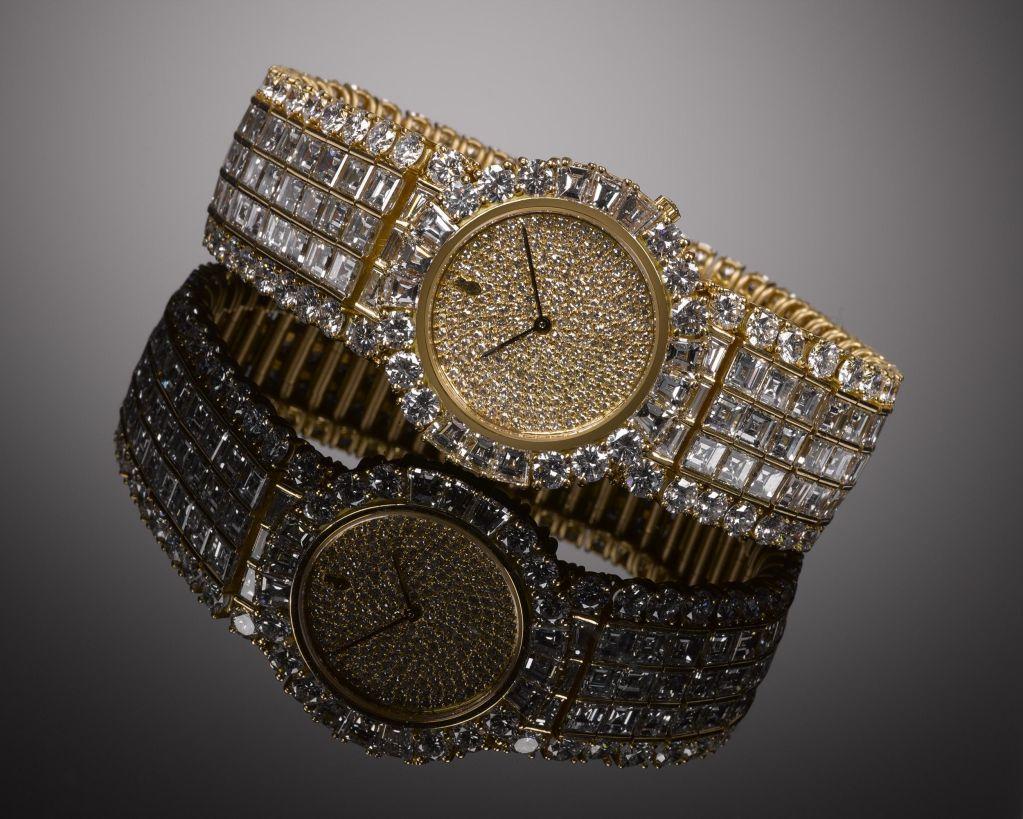Corum Ladies Yellow Gold Diamond Quartz Wristwatch 3