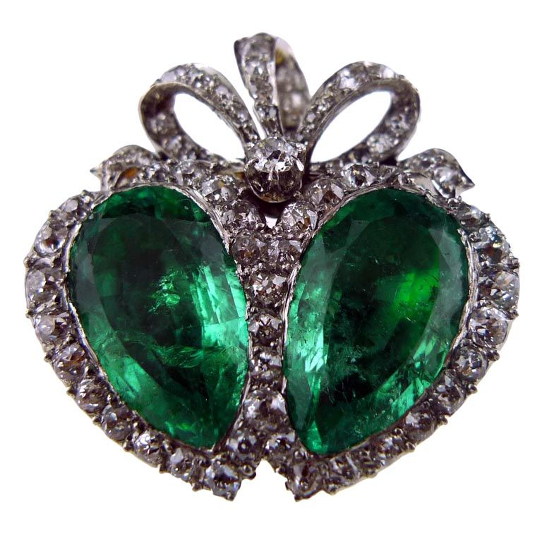 Twin Emerald Brooch With Diamonds In 18k Gold And Platinum