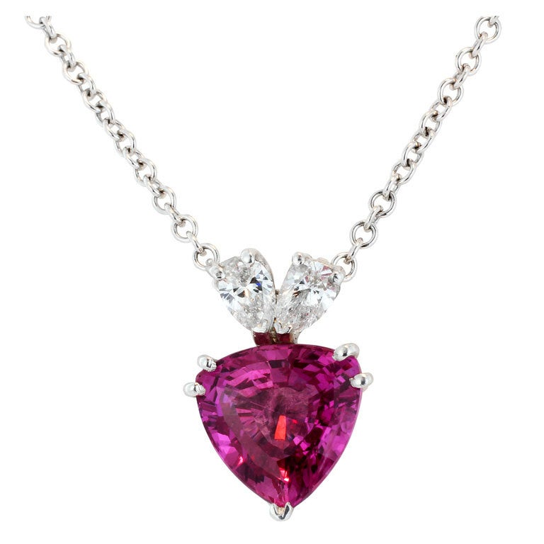 3.25ct Pink Sapphire Necklace For Sale at 1stdibs