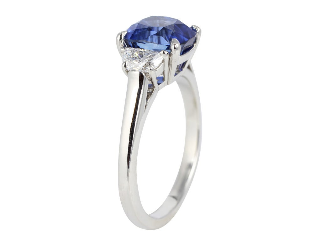 Contemporary Tiffany & Co. No Heat Sapphire Ring For Sale