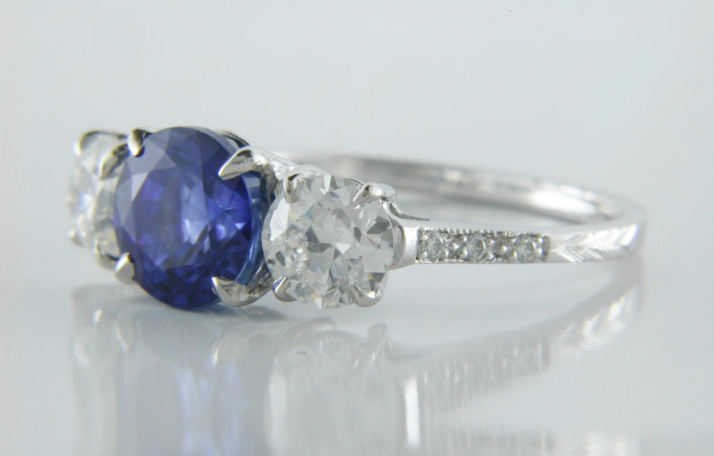 beautiful vintage sapphire and three ring at