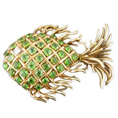 TIFFANY & CO Demantoid Fish Pin