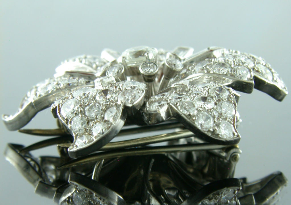 1930s 12 Carats Diamonds Platinum Flower Brooch 5