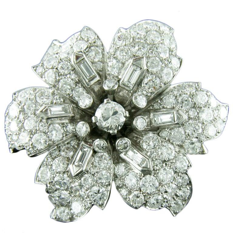 1930s 12 Carats Diamonds Platinum Flower Brooch 1