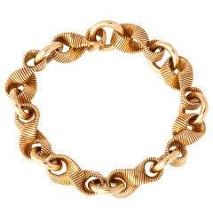 """HERMES Textured Gold """"Figure-8"""" Link Bracelet"""