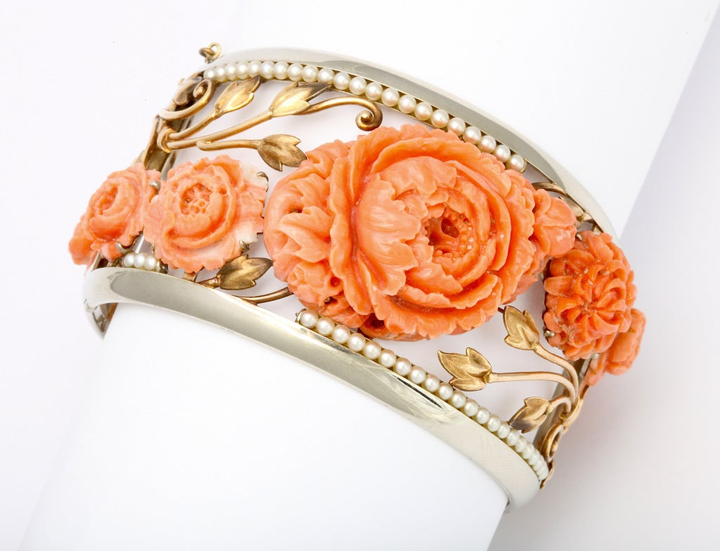 1930s Carved Coral and Pearl Gold Bracelet and Ring. In Excellent Condition For Sale In New York, NY