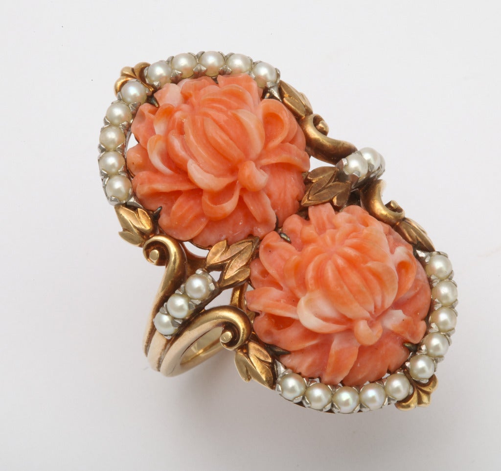 1930s Carved Coral and Pearl Gold Bracelet and Ring. For Sale 4