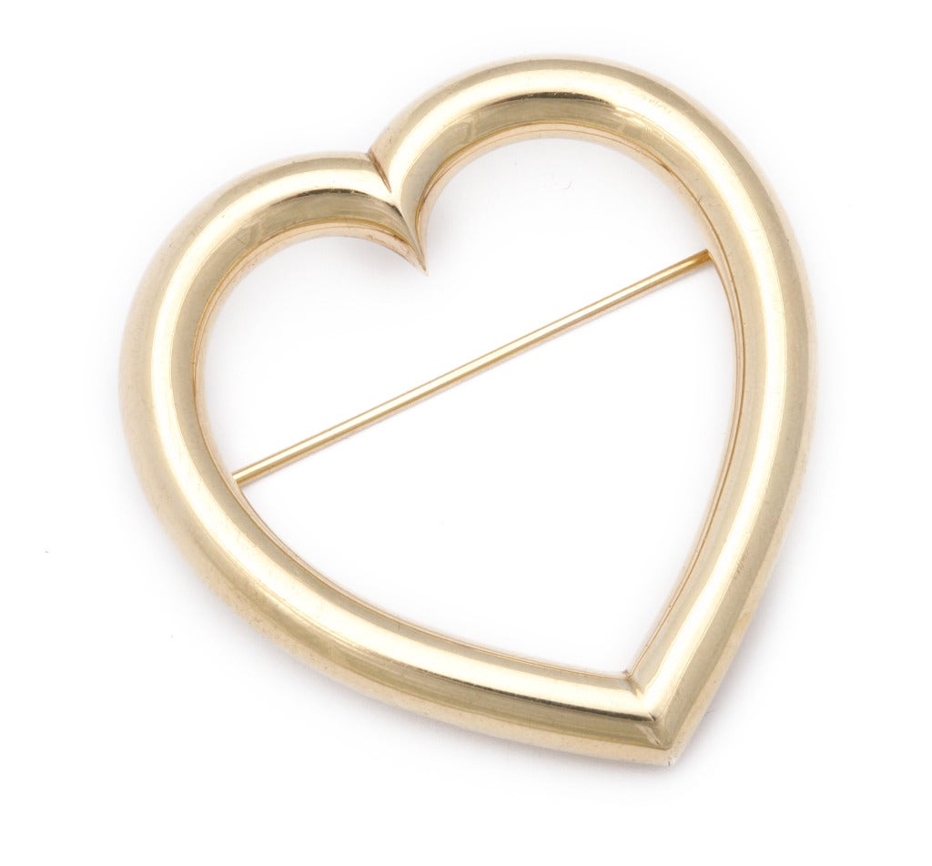 1940s Sloan & Co. Retro Gold Heart Brooch In Excellent Condition For Sale In New York, NY