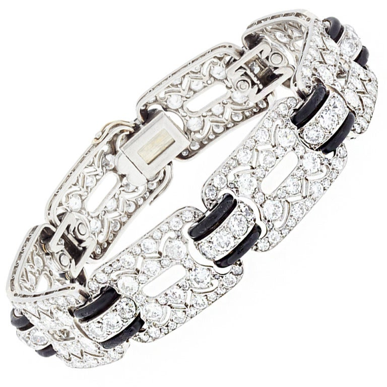 A French Art Deco Diamond and Onyx Platinum Bracelet 1