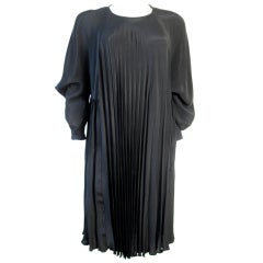 OUORUM Pleated Dress