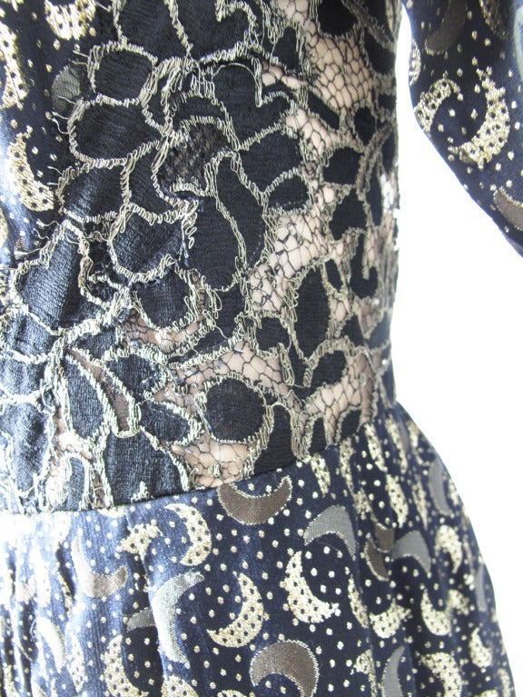 1970s Geoffrey Beene magical crescent moon gown In Excellent Condition For Sale In Austin, TX