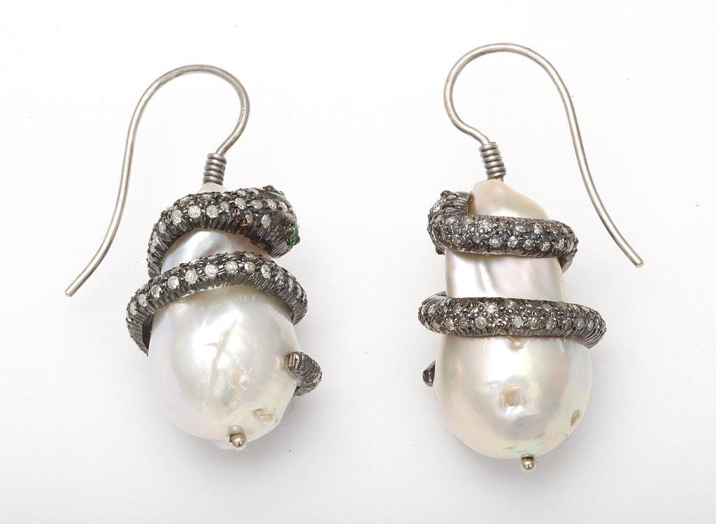 Emerald Pearl Diamond Snake Earclips 2