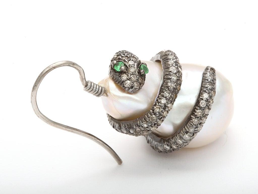 Emerald Pearl Diamond Snake Earclips 3