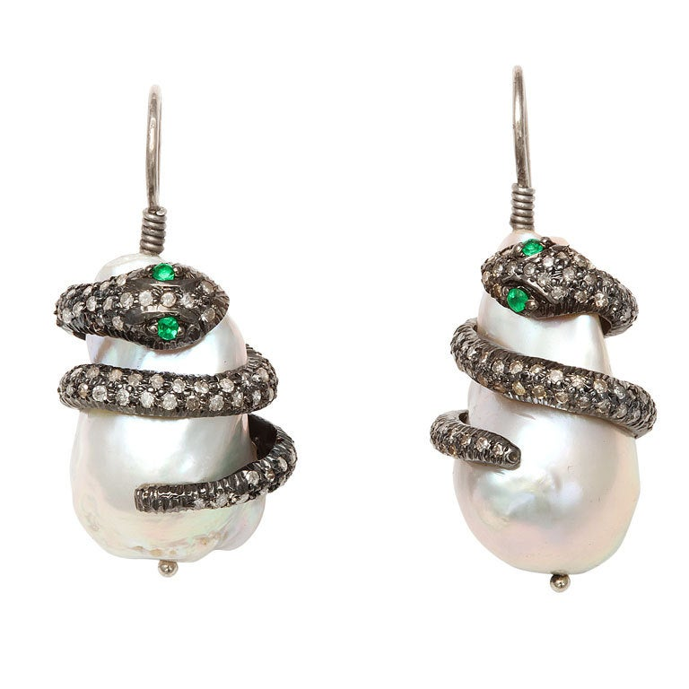 Emerald Pearl Diamond Snake Earclips 1