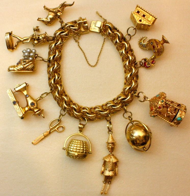 This Fantastic Vintage Bracelet Features 11 Carefully Chosen Charms Highlights Of The Include A