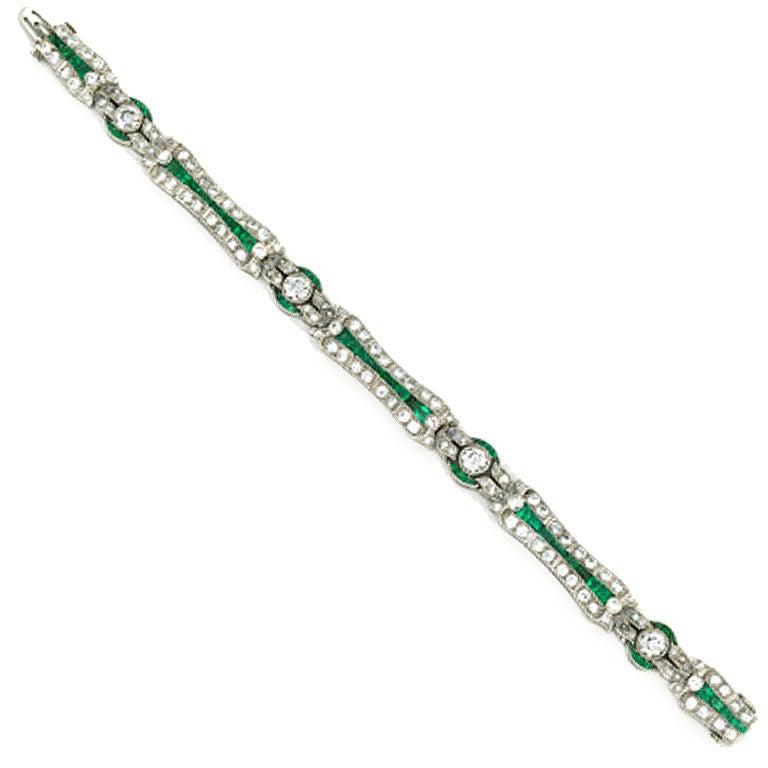 Art Deco 7.62 Carats Diamond, 3.50 Carats Emerald Platinum Bracelet