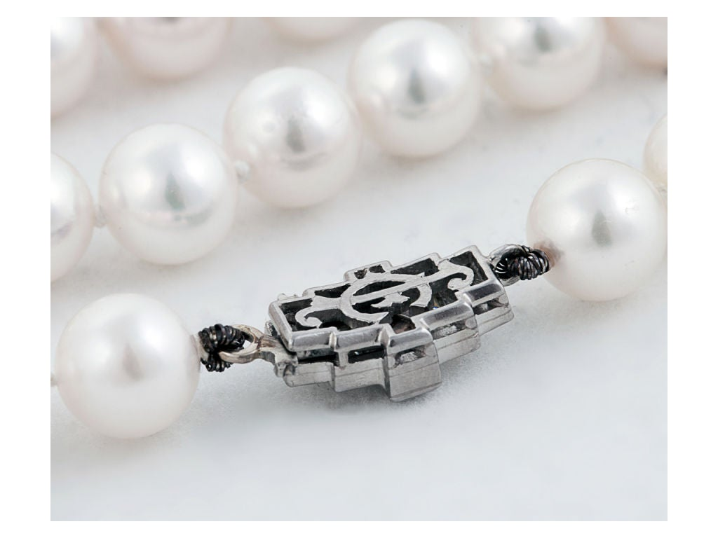 Beautiful Pearl Necklace with Diamond Clasp 2