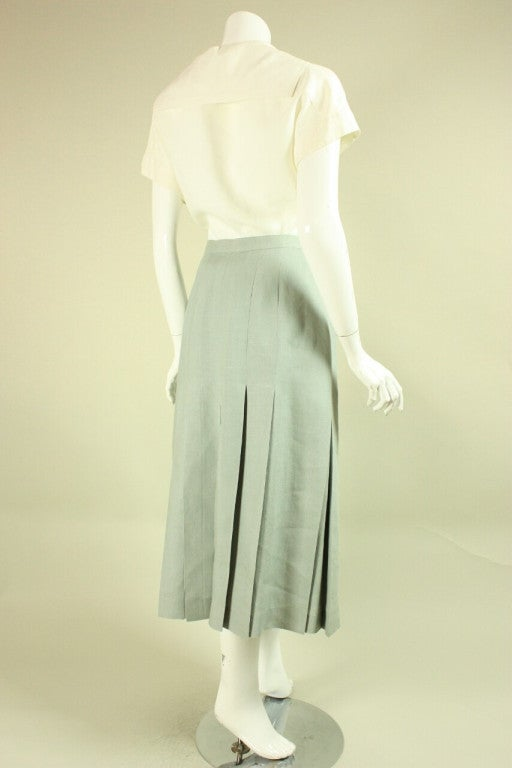 Chanel Cream and Mint Greeen Linen Ensemble In Excellent Condition For Sale In Los Angeles, CA