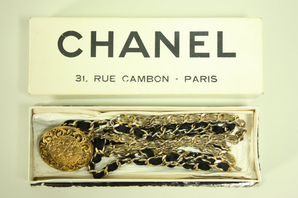 1960's Chanel Chain Belt with Original Box For Sale 3