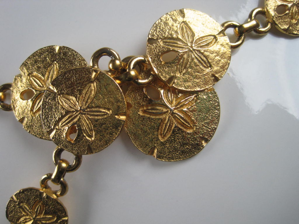 1970's Mimi Di N Sand Dollar Belt or Necklace In Excellent Condition For Sale In Los Angeles, CA