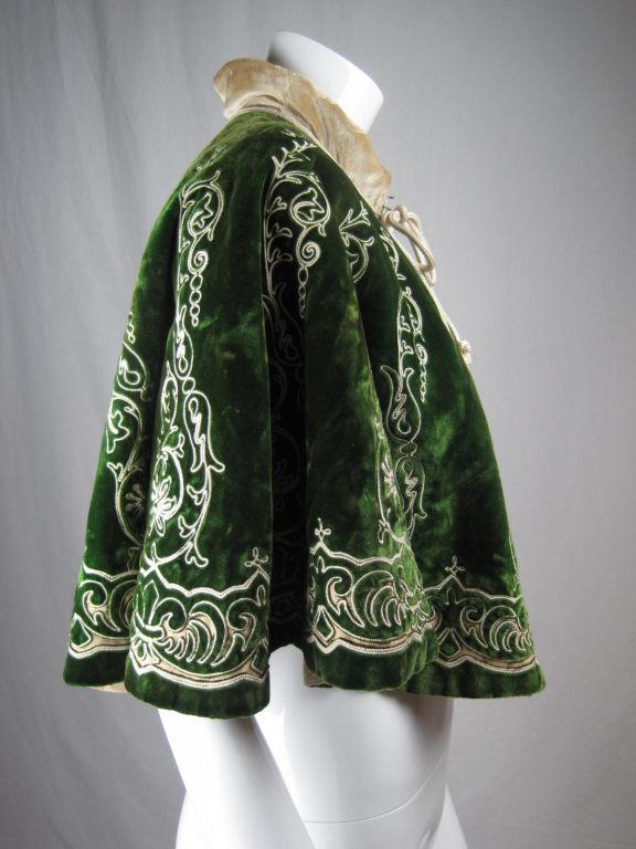 Victorian Cut Velvet Capelet Circa 1890 2