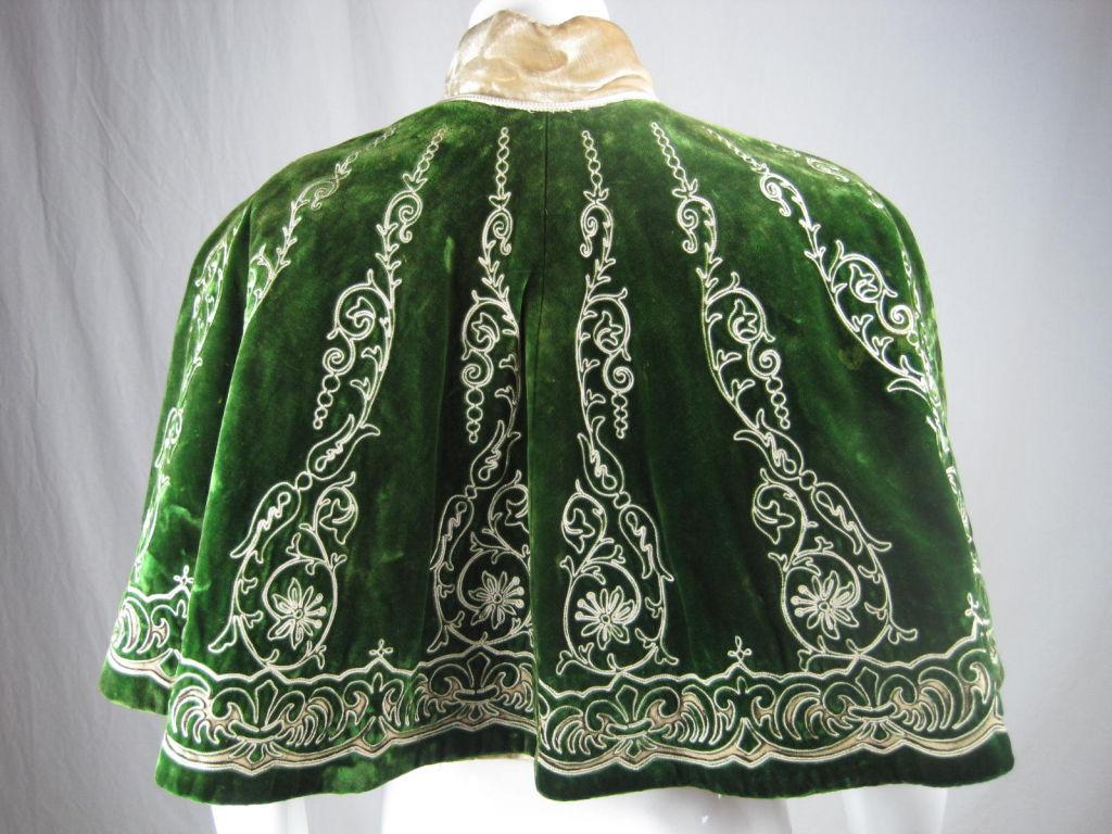 Victorian Cut Velvet Capelet Circa 1890 3