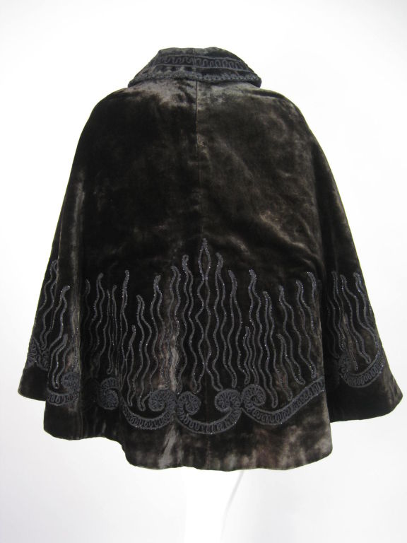 Victorian Chocolate Velvet Beaded Cape In Excellent Condition For Sale In Los Angeles, CA