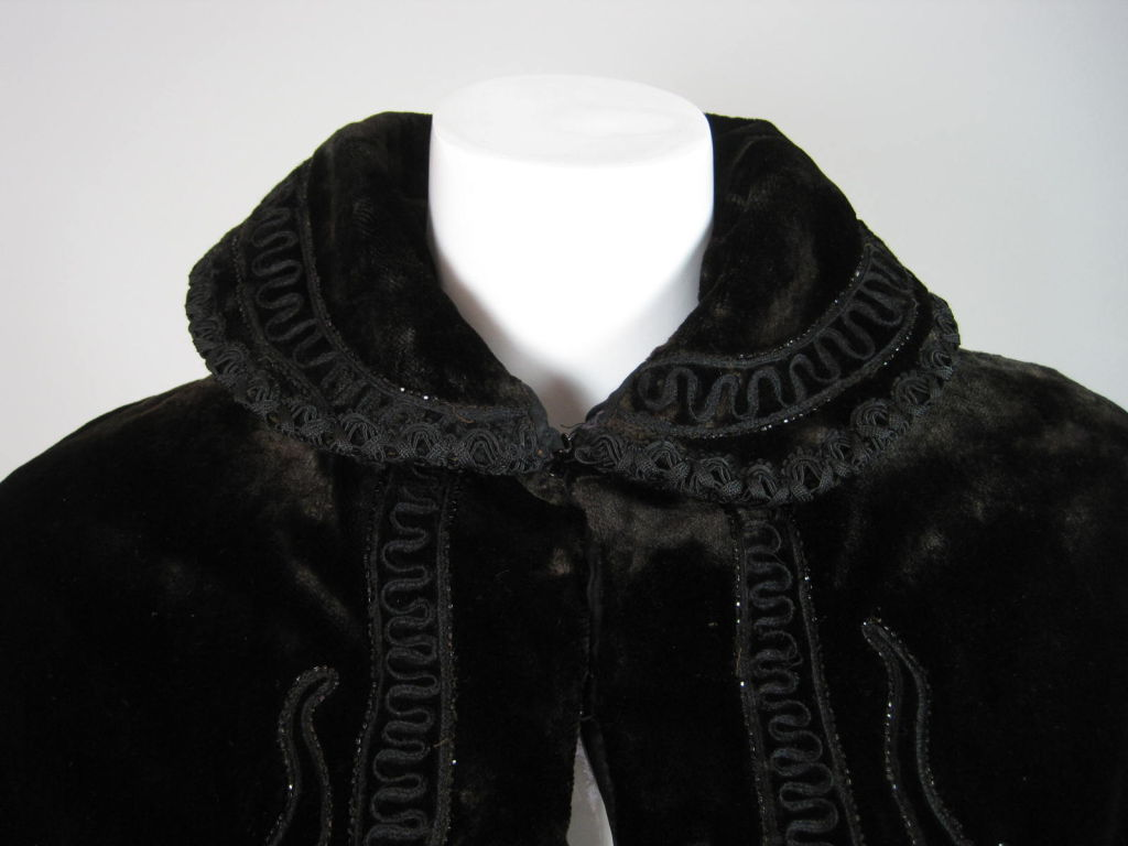 Victorian Chocolate Velvet Beaded Cape For Sale 2