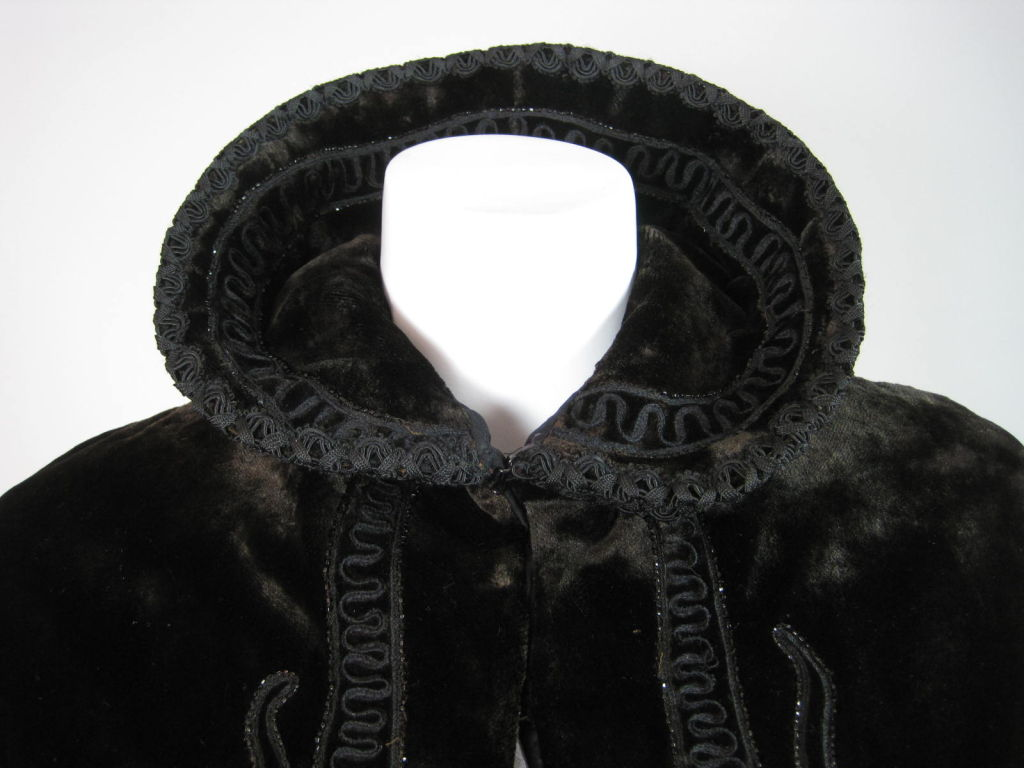 Victorian Chocolate Velvet Beaded Cape For Sale 3