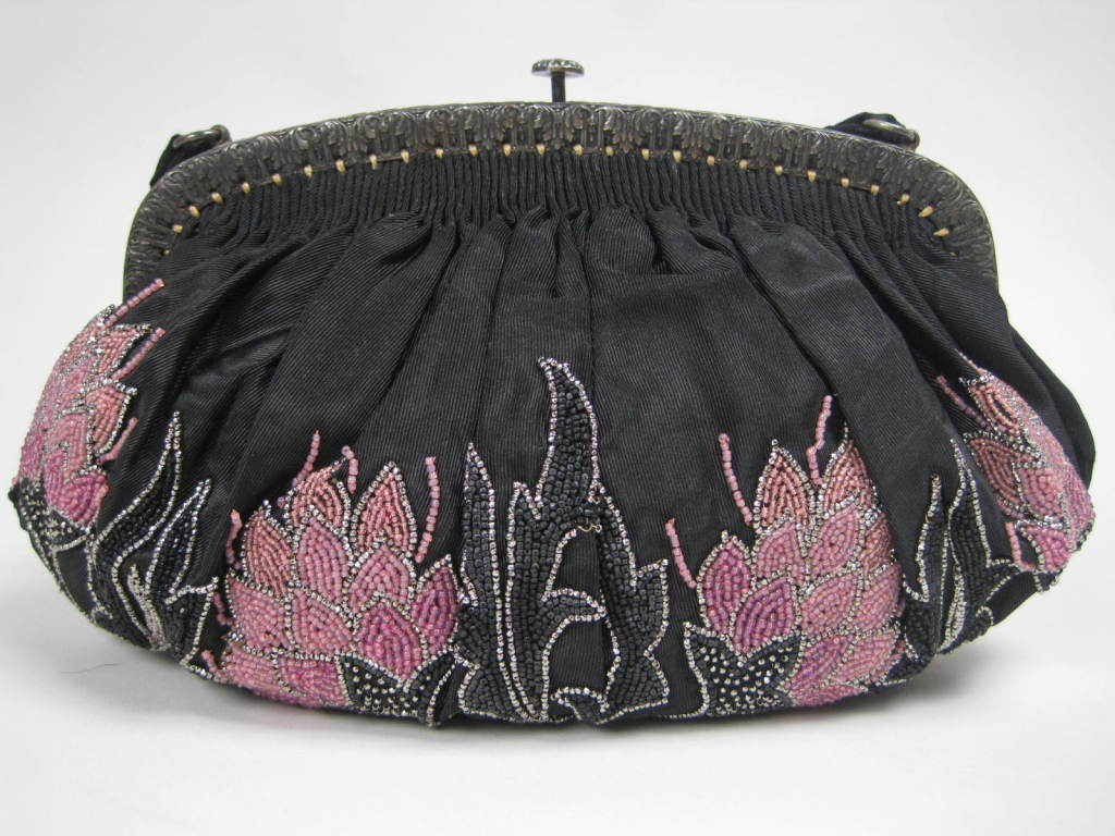 1920's French Beaded Handbag 2