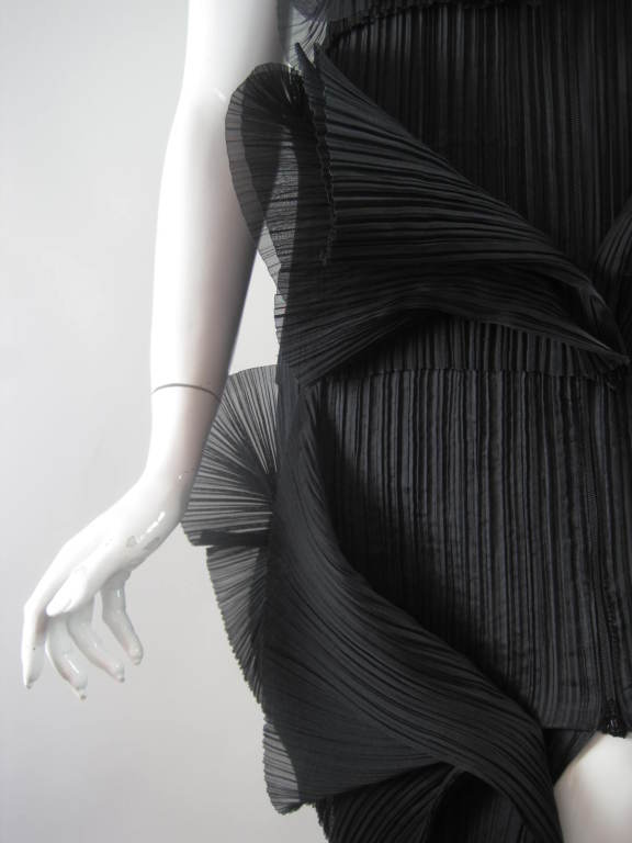 Issey Miyake Sculptural Pleated Dress 8