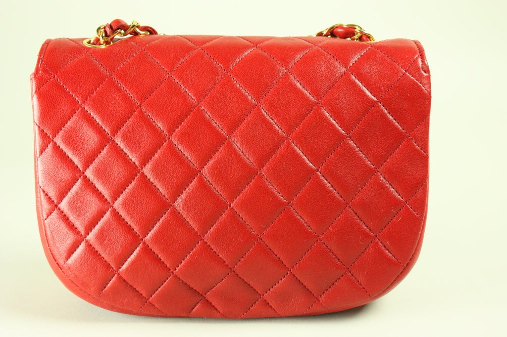 Women's Chanel Quilted Red Leather Handbag For Sale