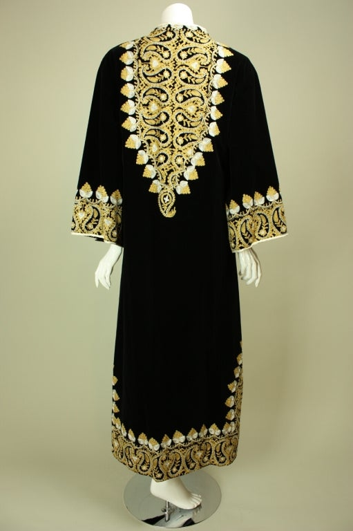 Women's 1960's Moroccan Embroidered Caftan For Sale