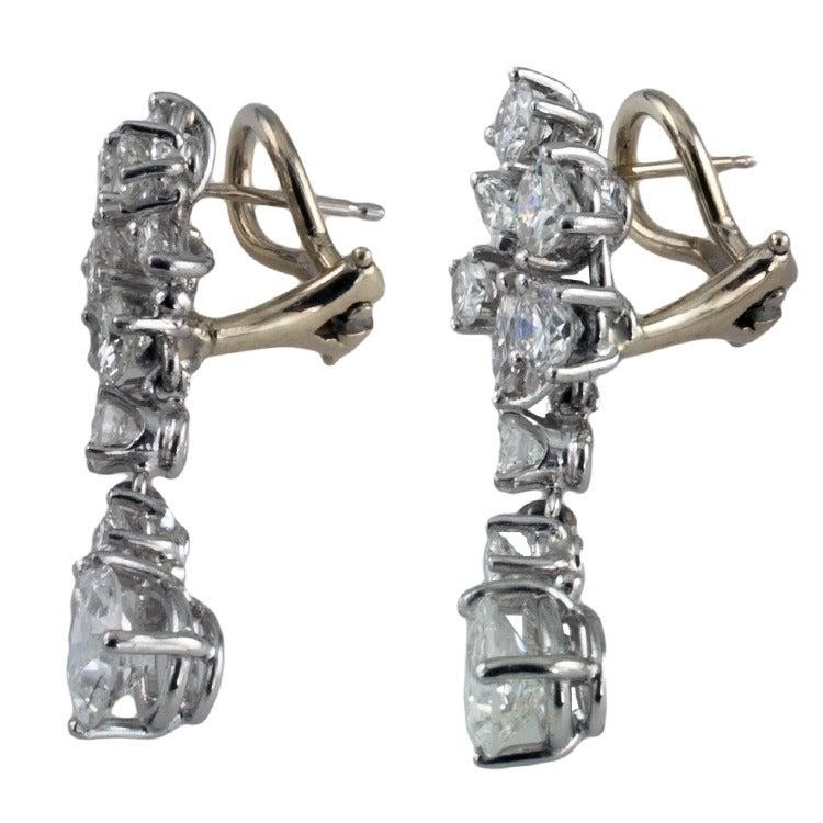 1960s Beautiful Dangling Diamond Platinum Drop Earrings 2