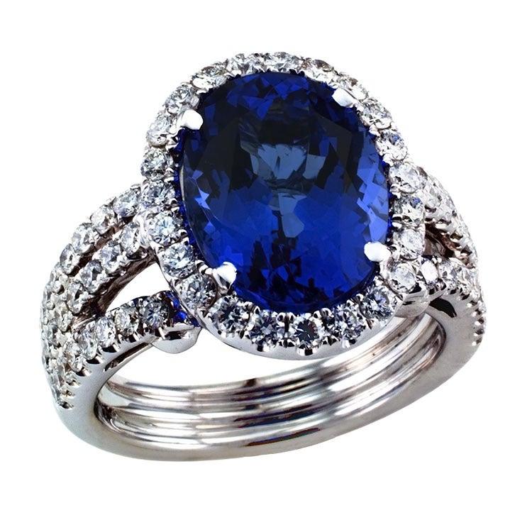 Impressive Tanzanite & Diamond Ring 2