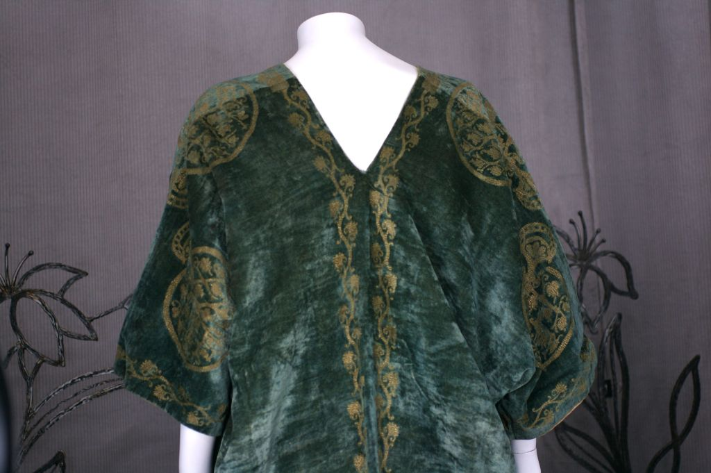 Mariano Fortuny Green Stencilled Velvet Long Coat For Sale 1