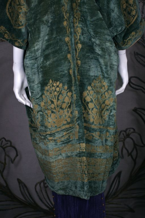 Mariano Fortuny Green Stencilled Velvet Long Coat For Sale 2