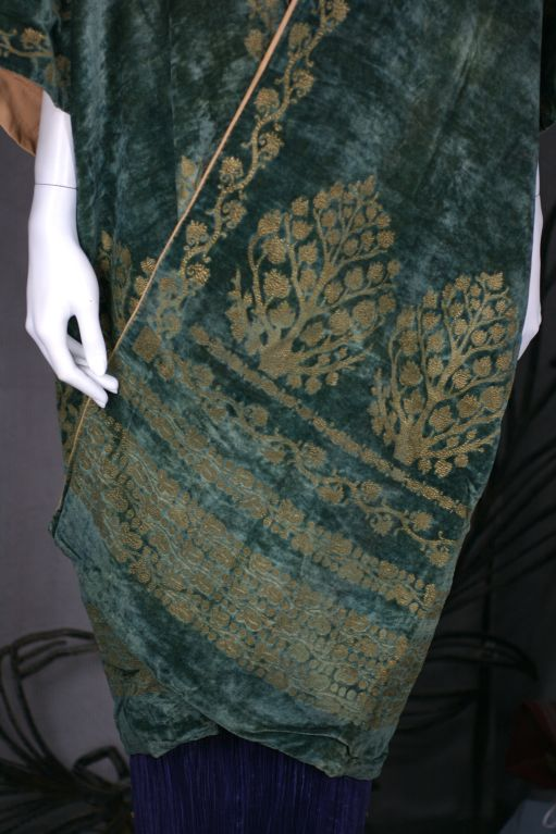 Mariano Fortuny Green Stencilled Velvet Long Coat For Sale 3