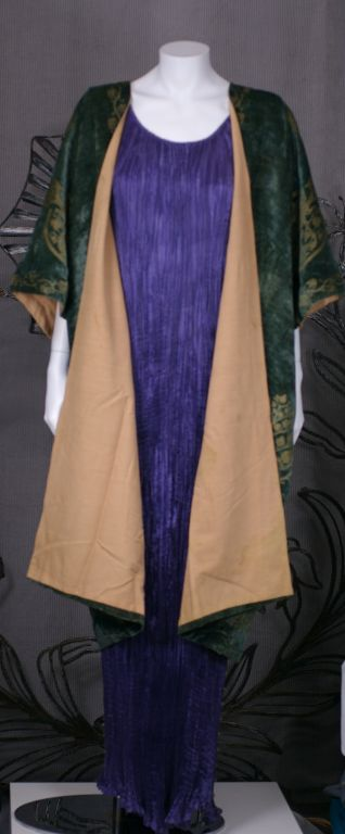 Mariano Fortuny Green Stencilled Velvet Long Coat For Sale 4