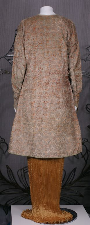 Mariano Fortuny Pink Stencilled Velvet Persian Style Coat For Sale 1