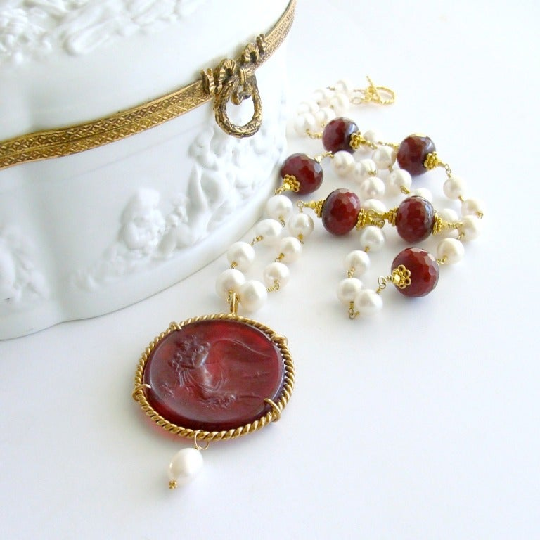 Red Venetian Intaglio Cameo Quartz Pearl Ruby Vittoria Angel Necklace 2