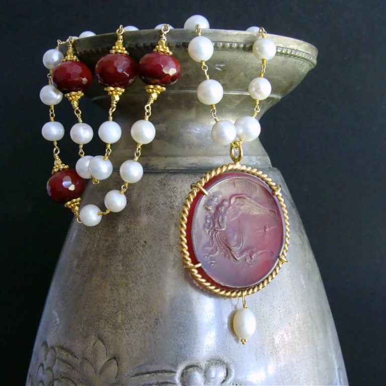 Red Venetian Intaglio Cameo Quartz Pearl Ruby Vittoria Angel Necklace 3