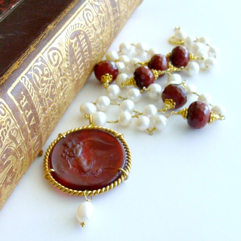 Red Venetian Intaglio Cameo Quartz Pearl Ruby Vittoria Angel Necklace 4