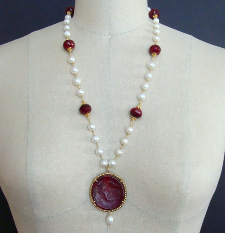 Red Venetian Intaglio Cameo Quartz Pearl Ruby Vittoria Angel Necklace 6