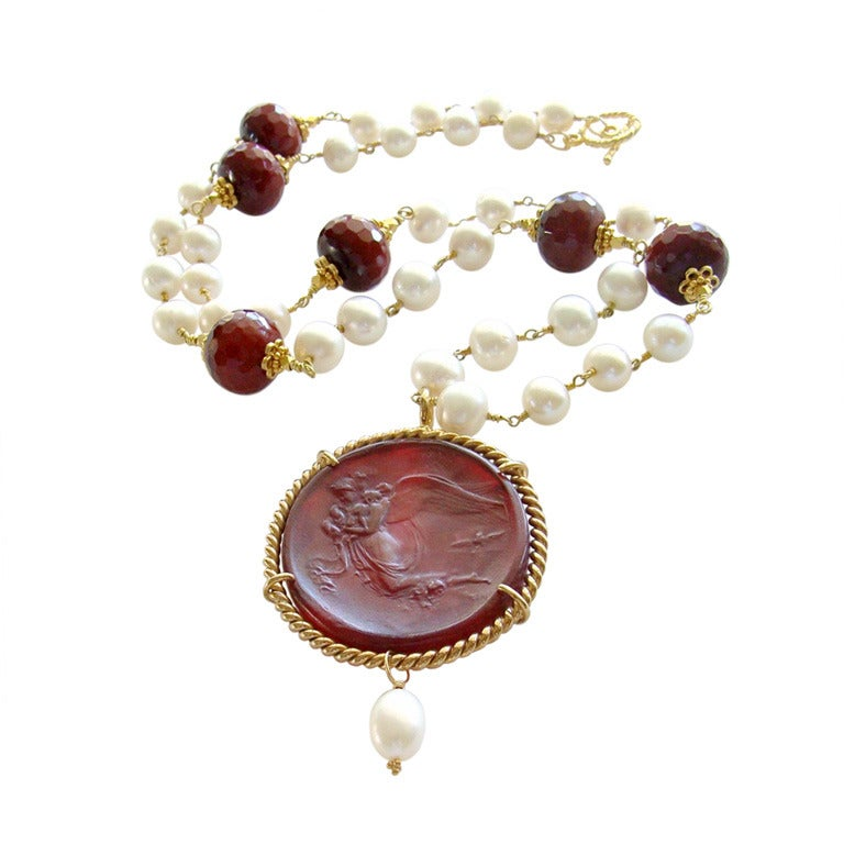 Red Venetian Intaglio Cameo Quartz Pearl Ruby Vittoria Angel Necklace