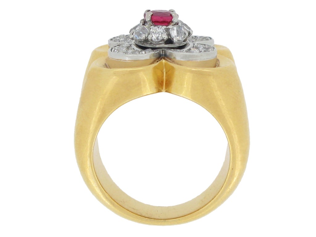 Van Cleef & Arpels Natural Unenhanced Ruby and Diamond Ring, circa 1945 In Good Condition For Sale In London, GB
