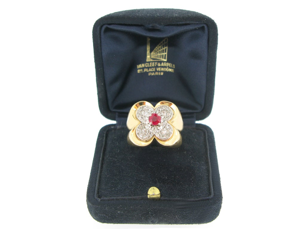Van Cleef & Arpels Natural Unenhanced Ruby and Diamond Ring, circa 1945 For Sale 2