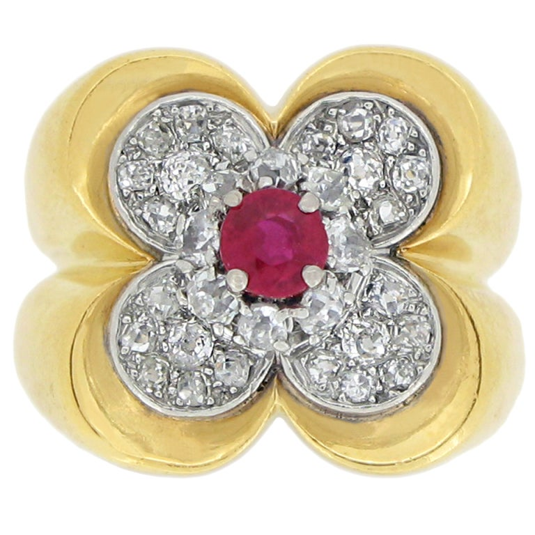 Van Cleef & Arpels Natural Unenhanced Ruby and Diamond Ring, circa 1945 For Sale