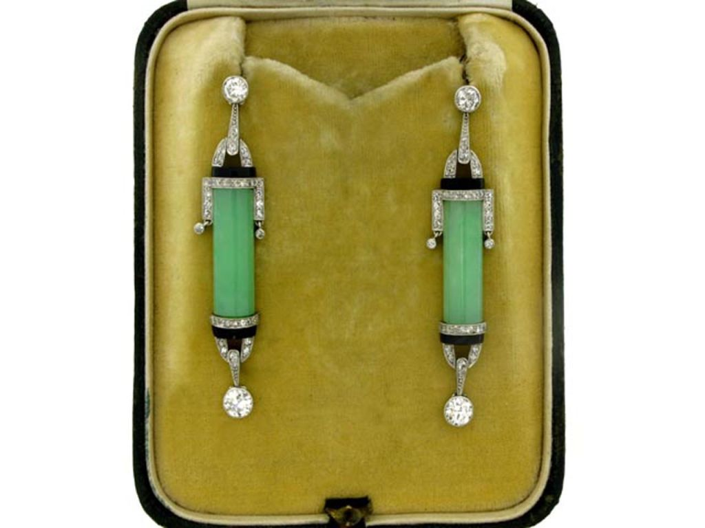 Art Deco Diamond, Jade and Onyx Earrings, circa 1925 In Excellent Condition For Sale In London, GB