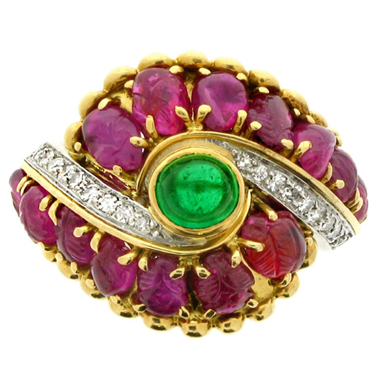 Marchak cabochon emerald, carved ruby and diamond ring, French, circa 1950. For Sale